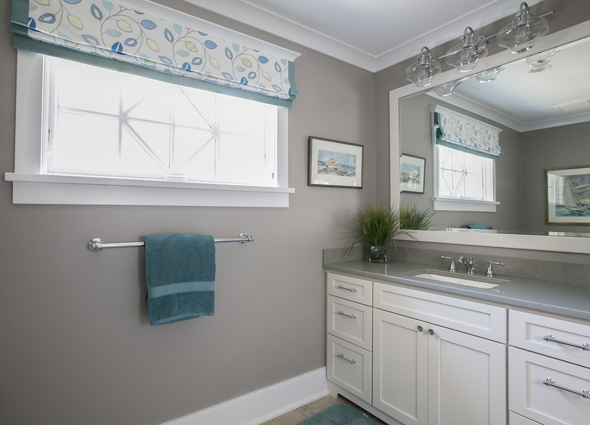 Nantucket Bathroom With Wide Window