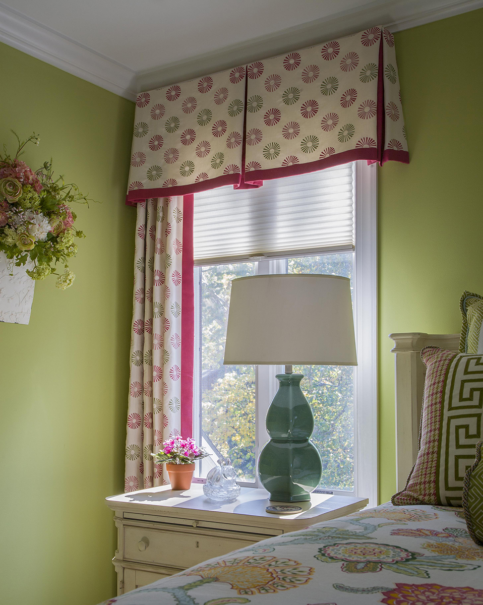 Symphony Window, Lamp and Valance