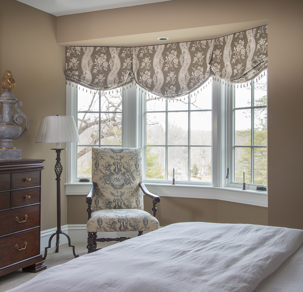 Masterpiece on the Severn White Bedroom