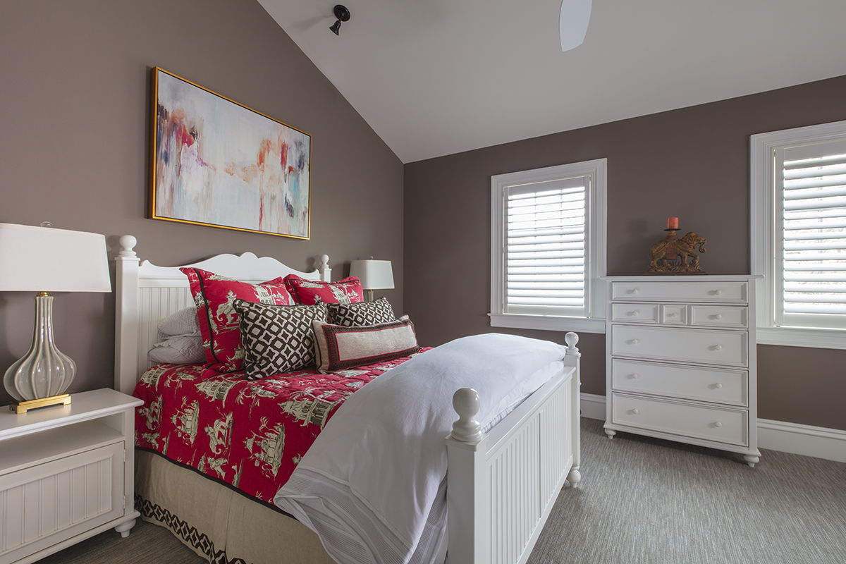 Masterpiece on the Severn Red Bedroom