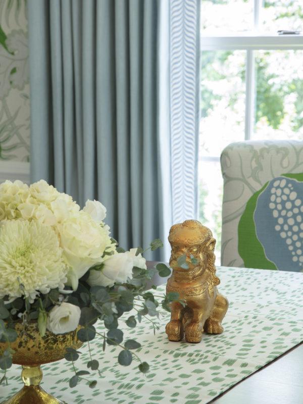 Bright and Fun Livingroom/Diningroom